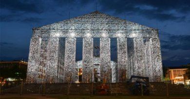 Templo feito com 100 mil livros é erguido onde nazistas queimaram obras