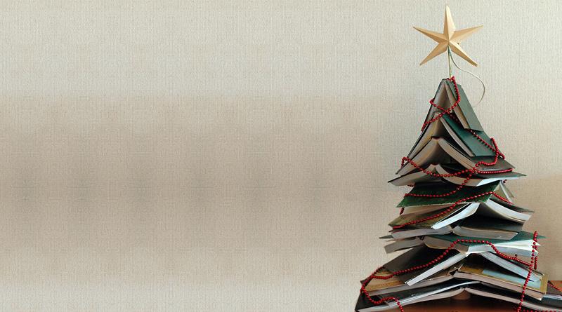 arvores de natal feitas de livros